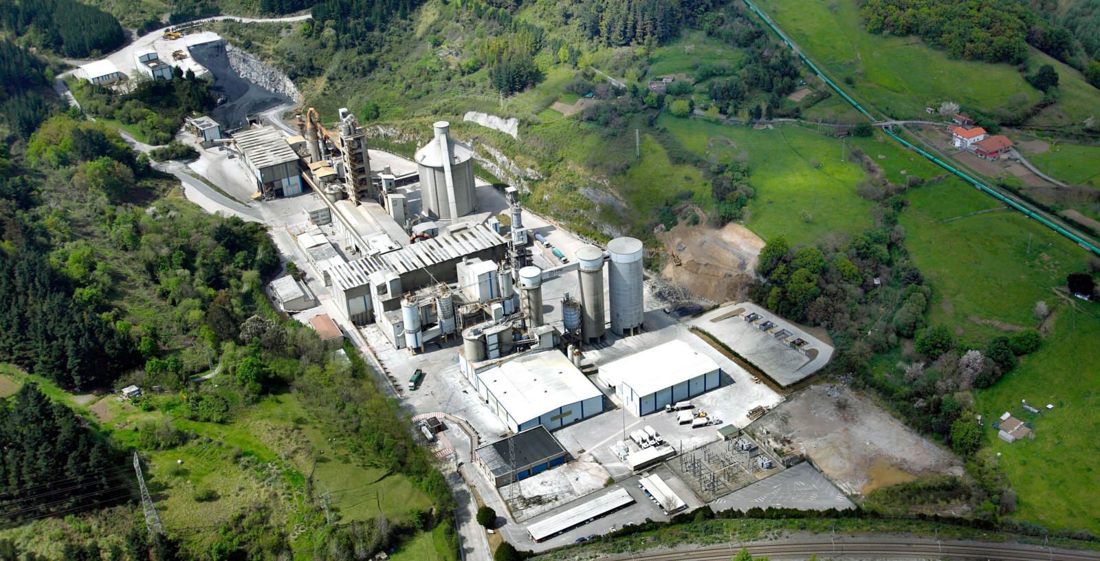 Cement_plant_HeidelbergCement_Rezola_Cementos_IDOM_03