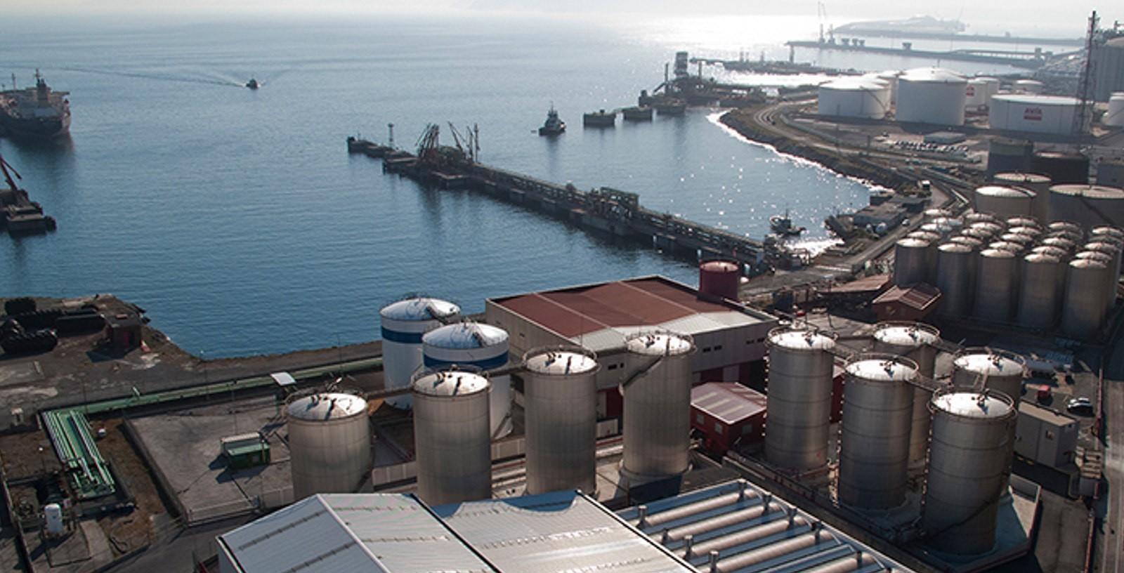 Chemical_Storage_Port_Terminal_Spain_Acideka_IDOM