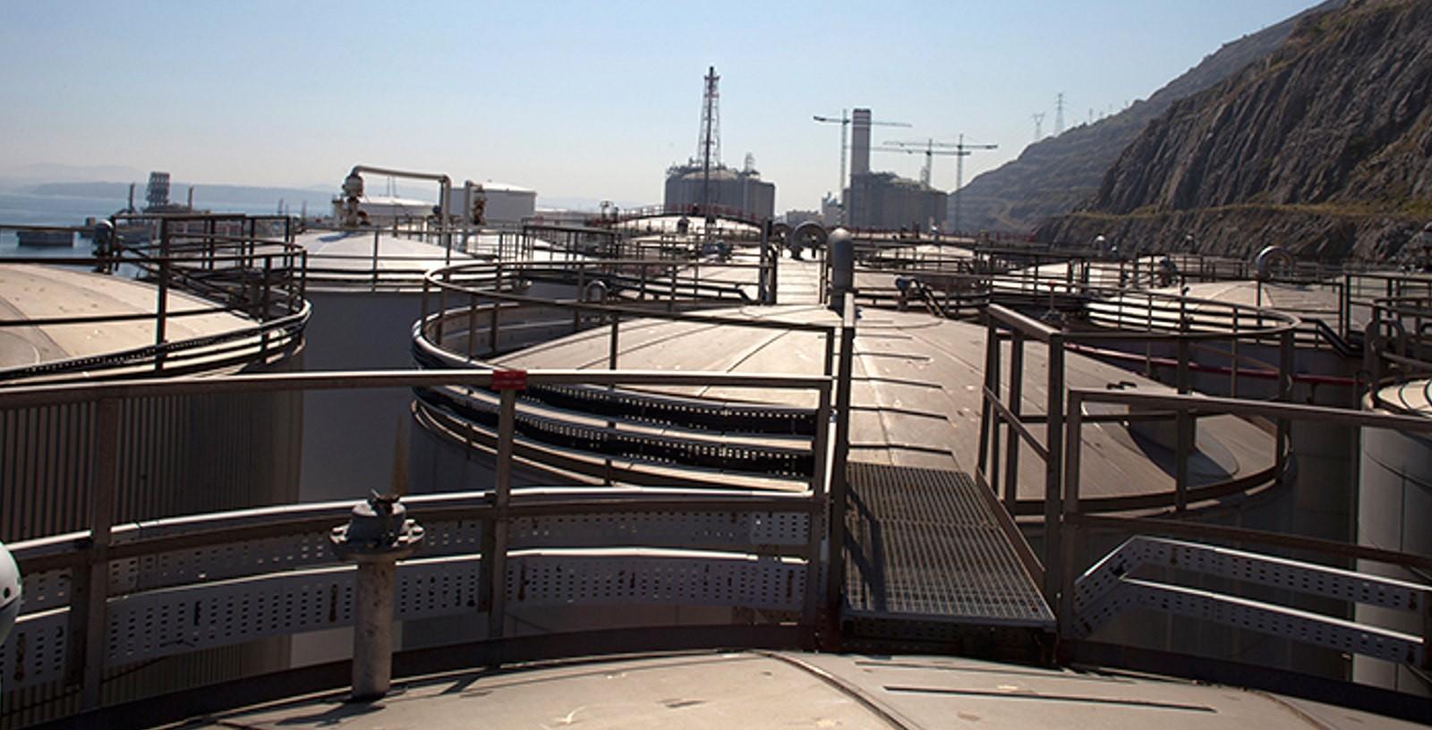Chemical_Storage_Port_Terminal_Spain_Acideka_IDOM_01