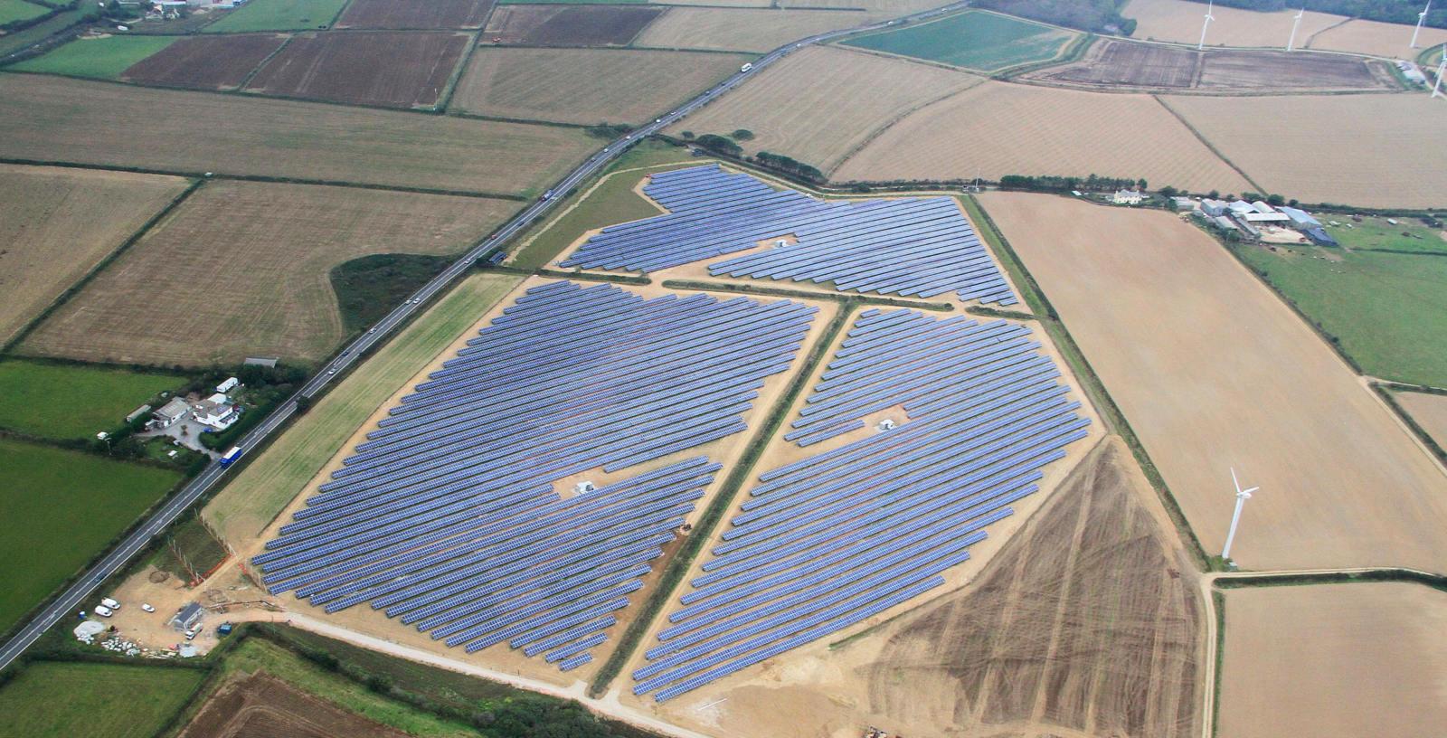 Four_Burrows_Photovoltaic_Plant_UK_Jackson_IDOM_001