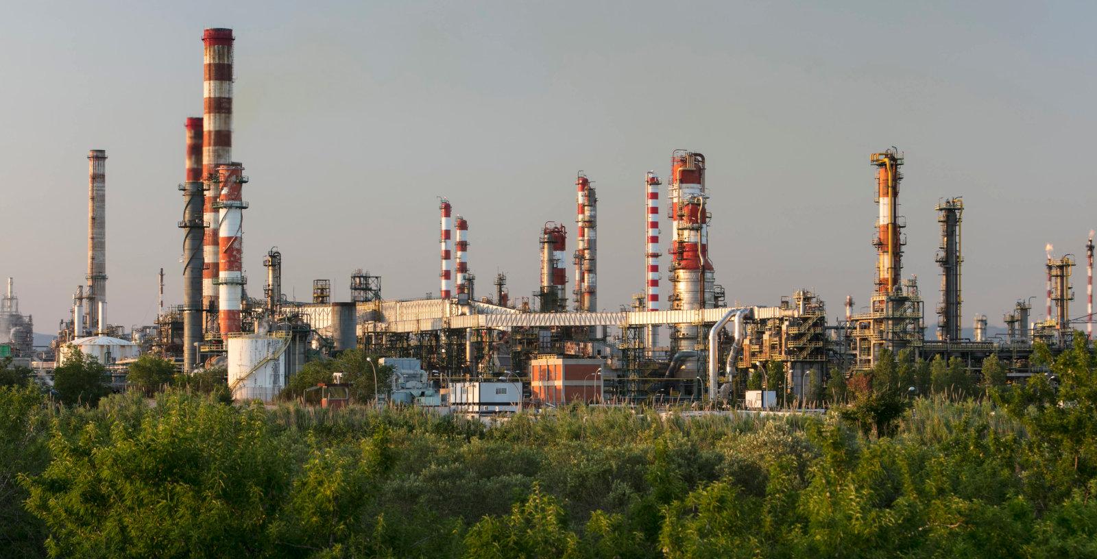 Depropanizer_Column_Tarragona_Refinery_Spain_Repsol_IDOM_00